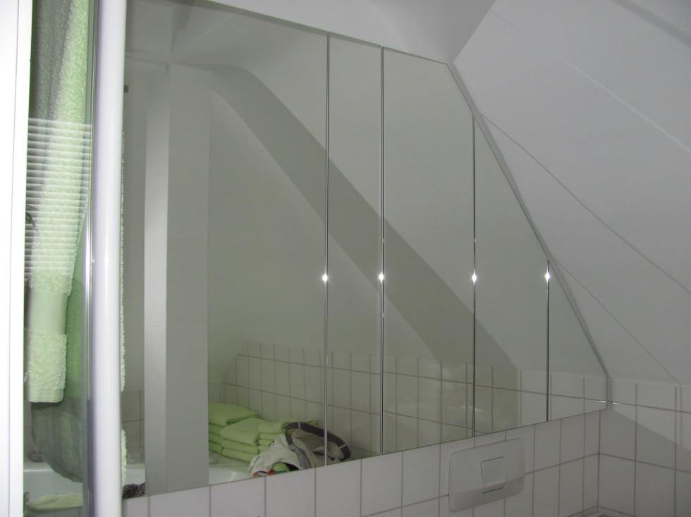 Spiegelschrank im Bad | Schreinerei Bund